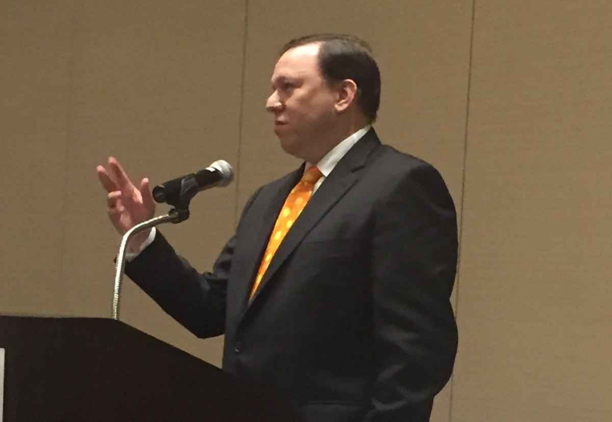 Andrew Kessler addresses the Connecticut Certification Board's annual dinner