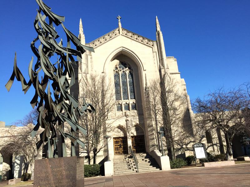 free at last sculpturein front of bu'smarsh chapel  (sonya kovacic)