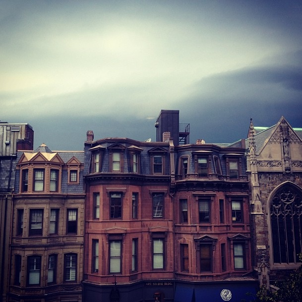 rain over newbury street  ( @meeshz )