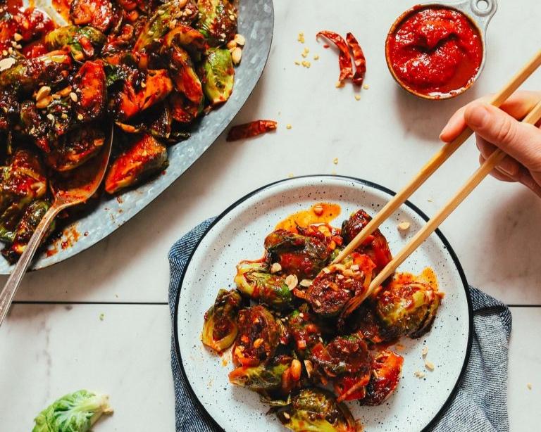 AMAZING-Gochujang-Stir-Fried-Brussels-Sprouts-8-ingredients-30-minutes-BIG-flavor-vegan-glutenfree-korean-recipe-brusselssprouts-minimalistbaker-6-768x1152.jpg