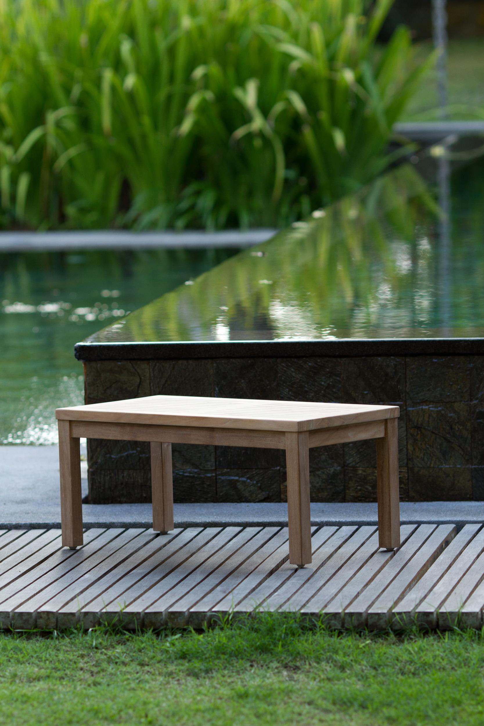800937 TABLE.jpg