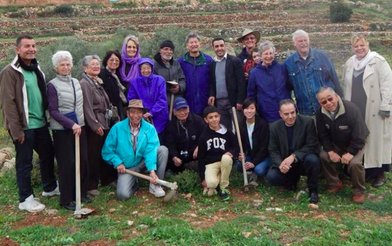 ALAMEDANS PICTURED WITH RESIDENTS OF WADI FOQUIN. Photo:Wadi Foquin Sister City Committee.