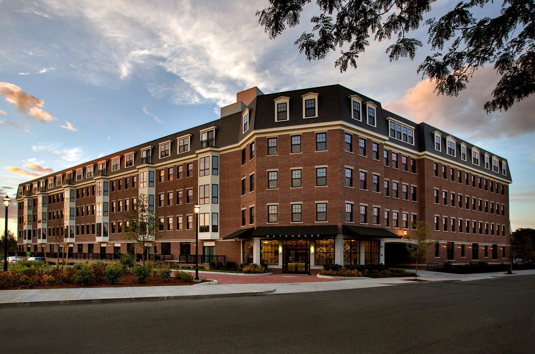 GATEHOUSE 75 |CHARLESTOWN, MA