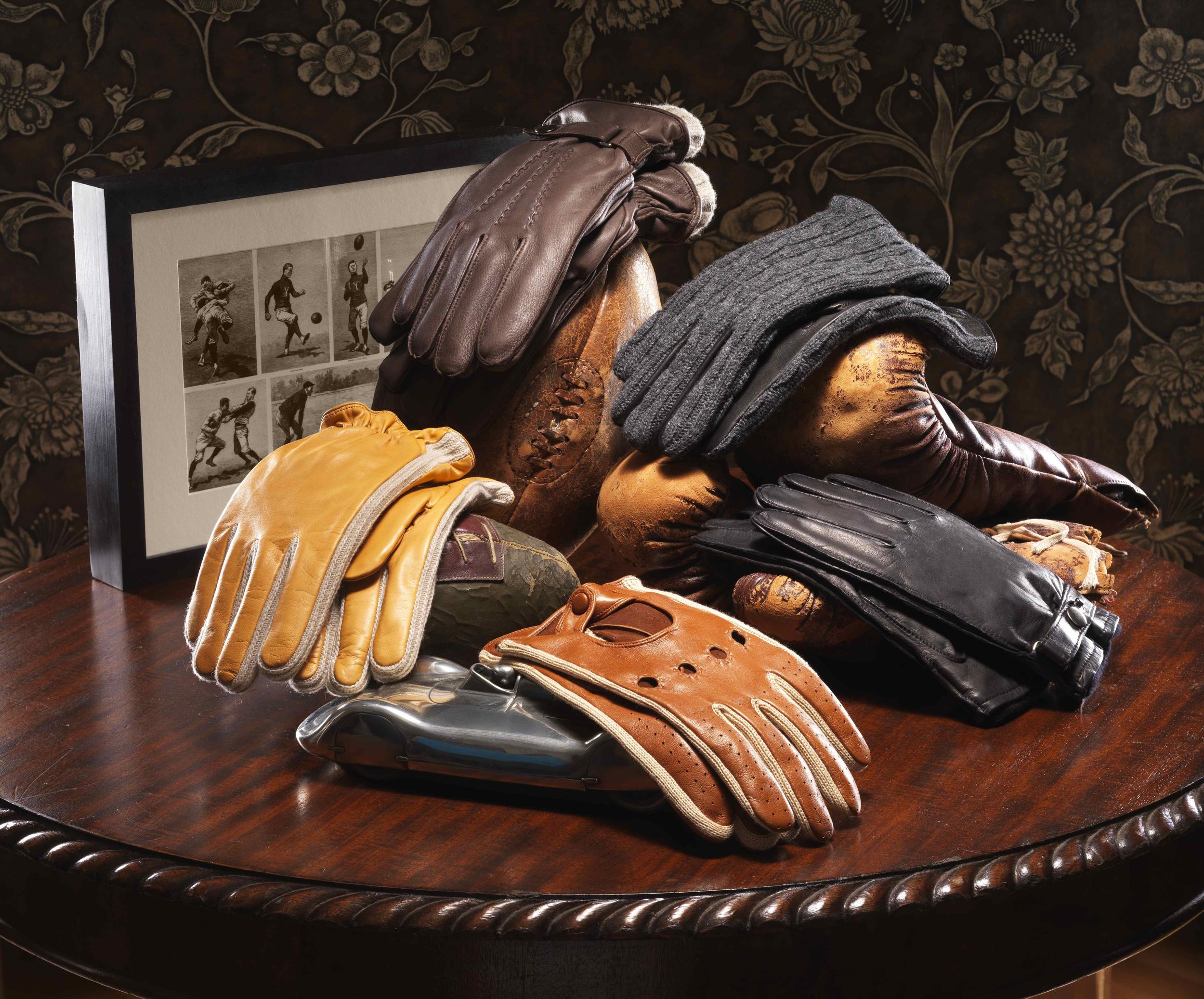 Gloves 001.jpg