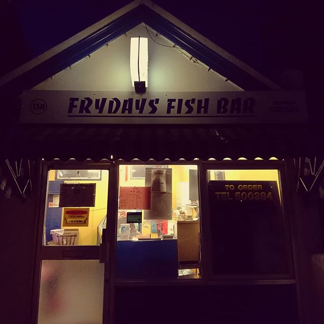 Farewell Frydays, end of an era. Purveyor of finest fish and chips in Brighton, in my humble opinion... Final fry yesterday, sold up and retiring.  Said he opened in 1999 and we've been frequenting since 2005ish, went in on Thurs and was given loads of free stuff as a thank you.  But, it's us who Thank You Frydays. ♥  #fishandchips #brighton