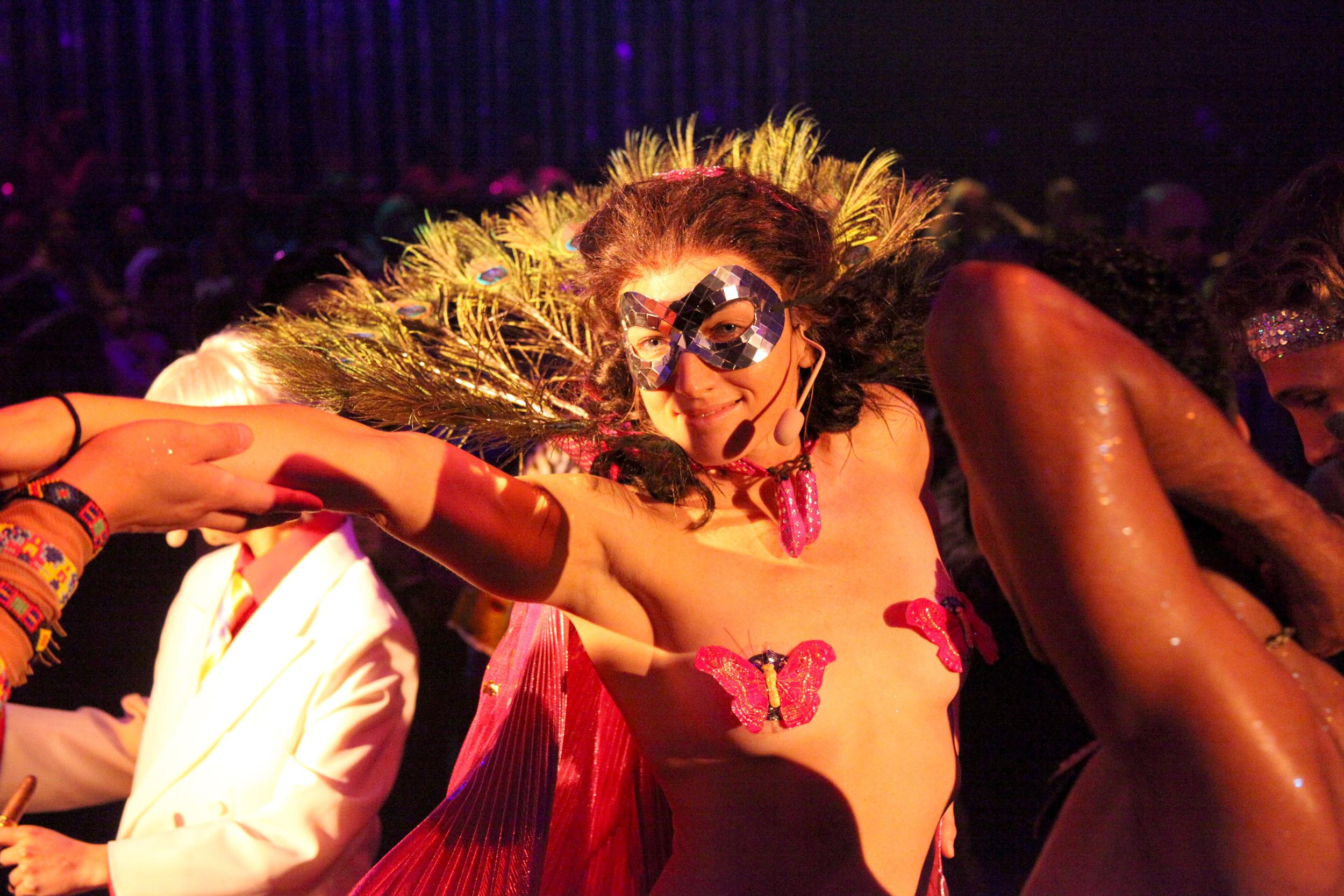 Stephanie Chisholm as Tytania, The Donkey Show - photo credit Justin Namon - Copy.jpg