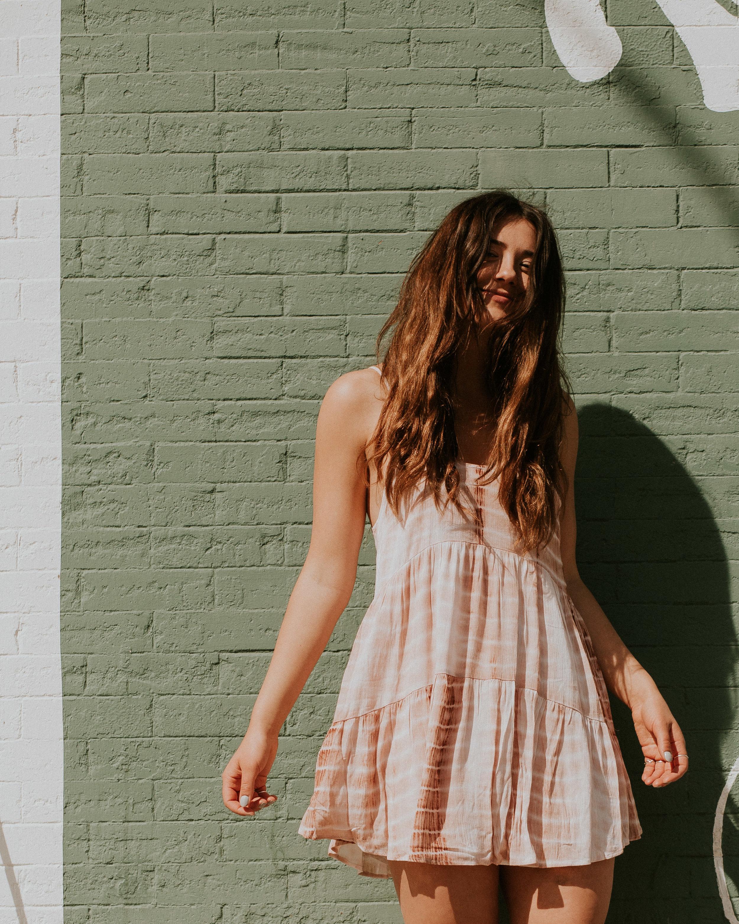 Tobi  Kyla Rust Tie Dye Shift Dress  in Rust