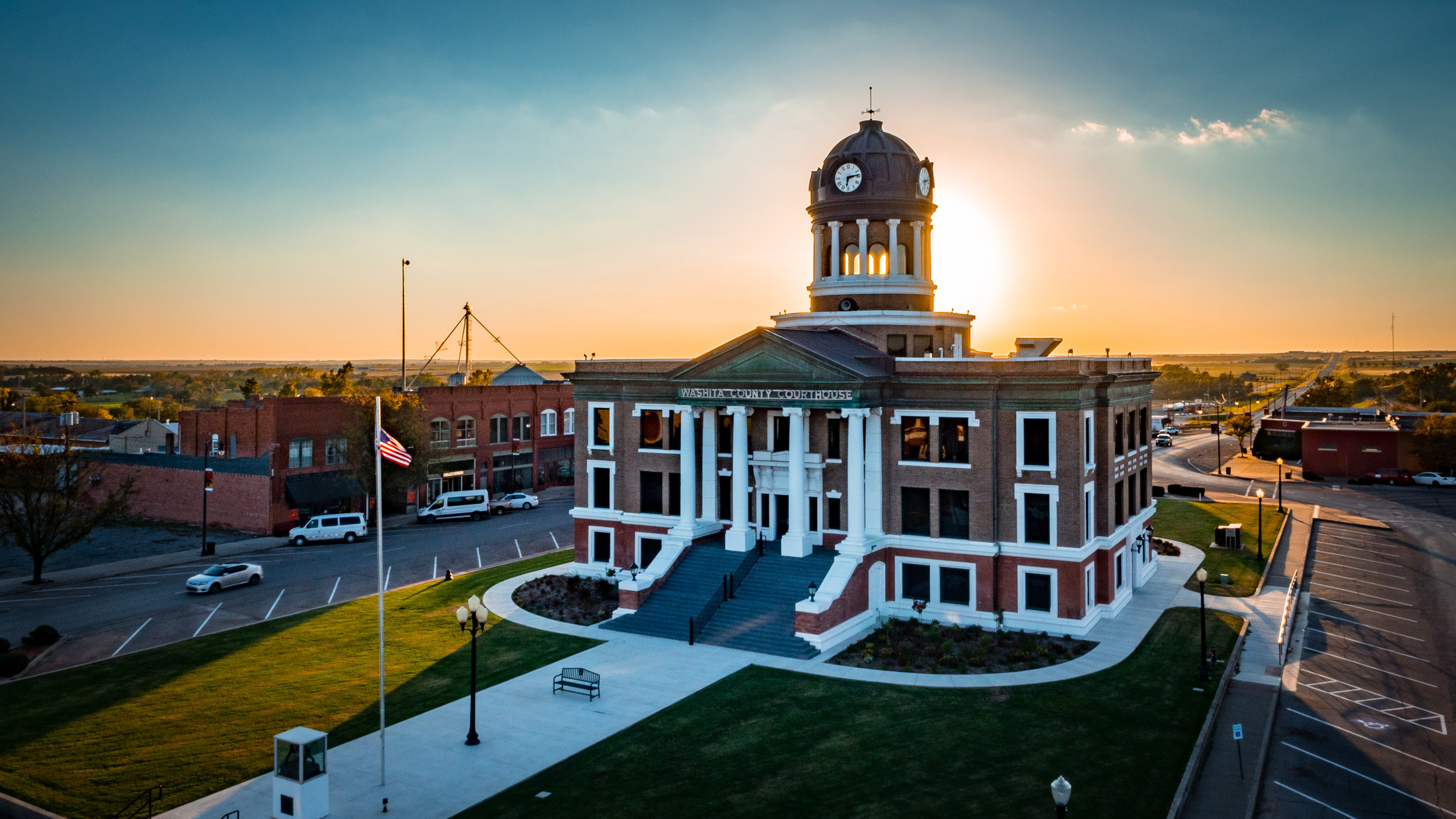 Cordell_Courthouse-AIP-Photo_by_Branden_Hart-4670016.jpg