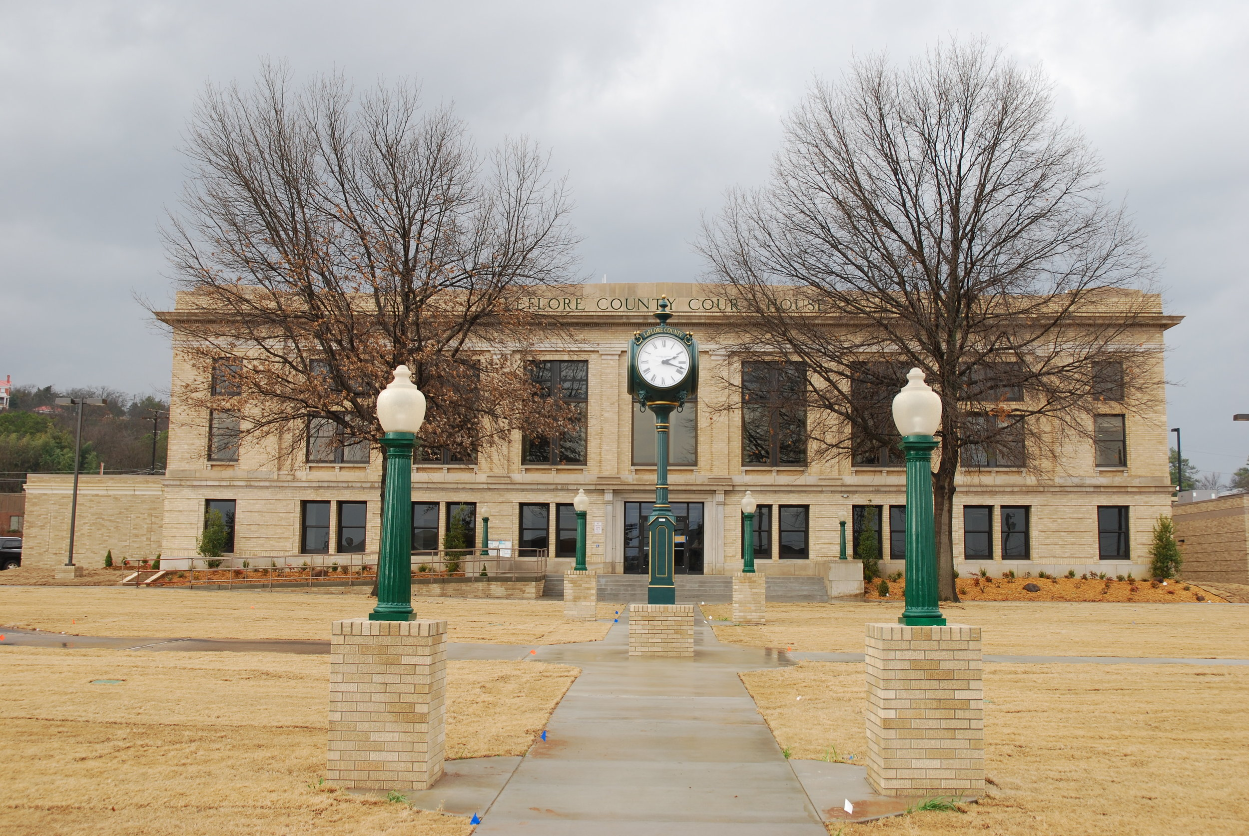 LEFLORE COUNTY COURTHOUSE EXTERIOR.JPG