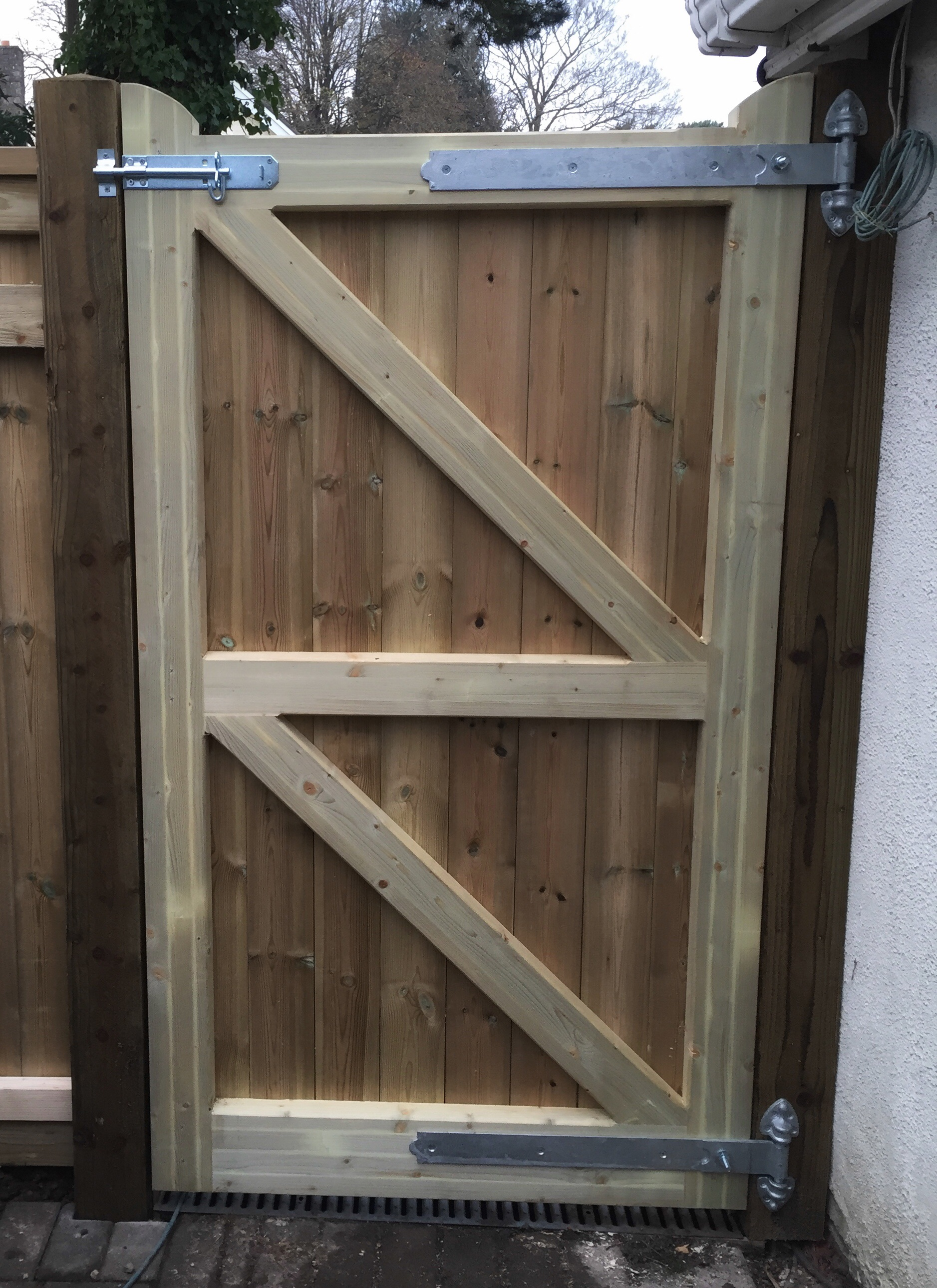 Showing the rear of the 70mm thick gate, framed, ledged and braced.