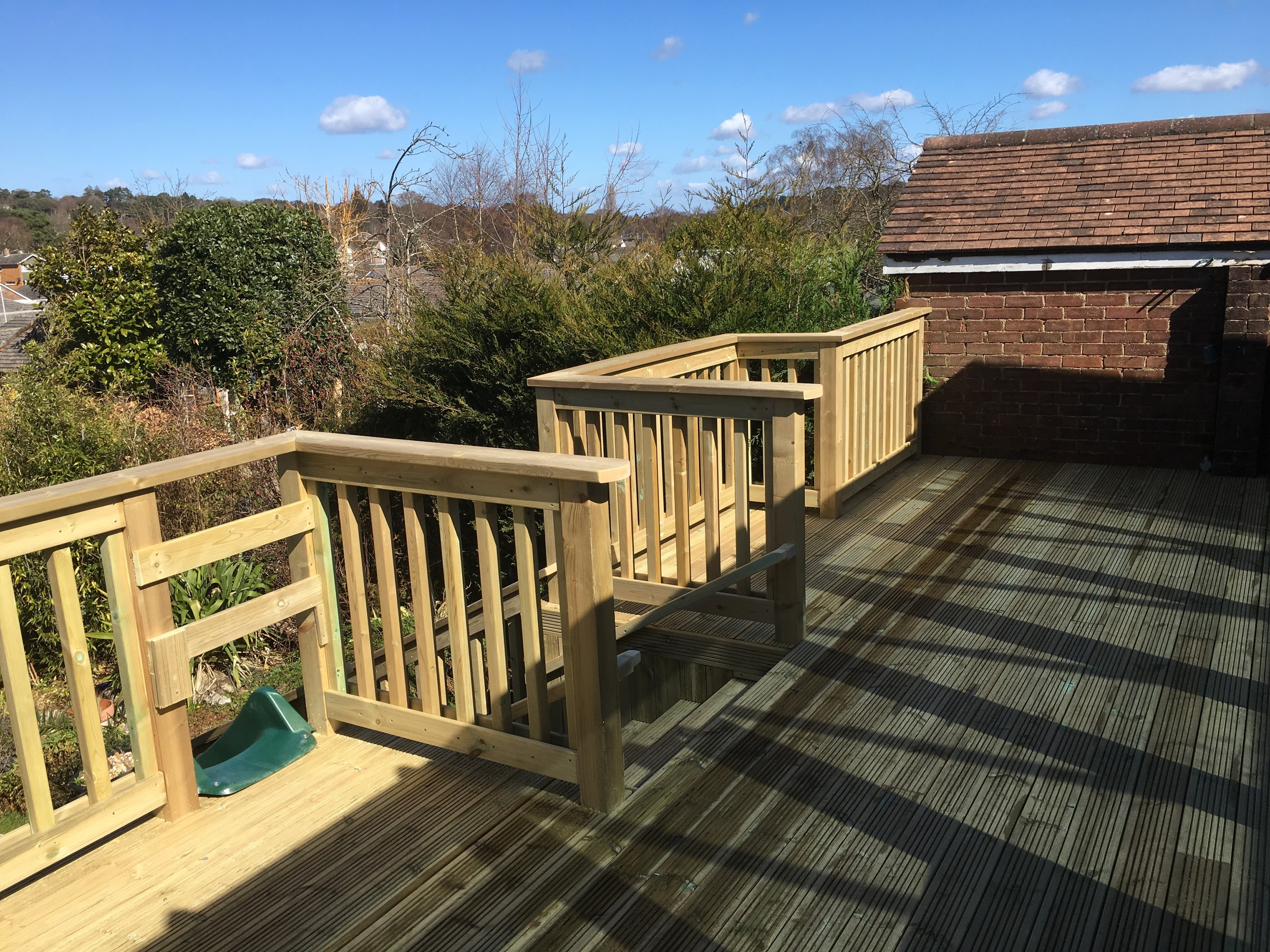For the balustrade we used a square profile spindle.