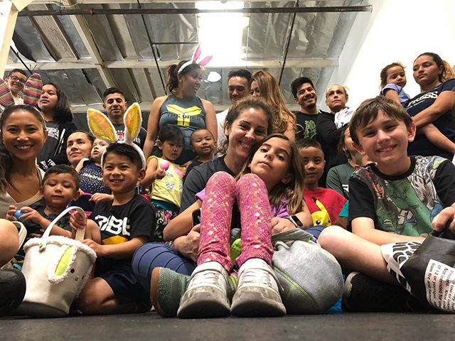 FAMILY . . . #tribemeansfamily #onetribe #tribestrong #familywod #happyeaster #tribefunctionalfitness #crossfittribe #tribekids #thebrandxmethod #losalamitos #sealbeach #lakewood #cypress #longbeach #strongbeach @tribe.kids.teens @thebrandxmethod