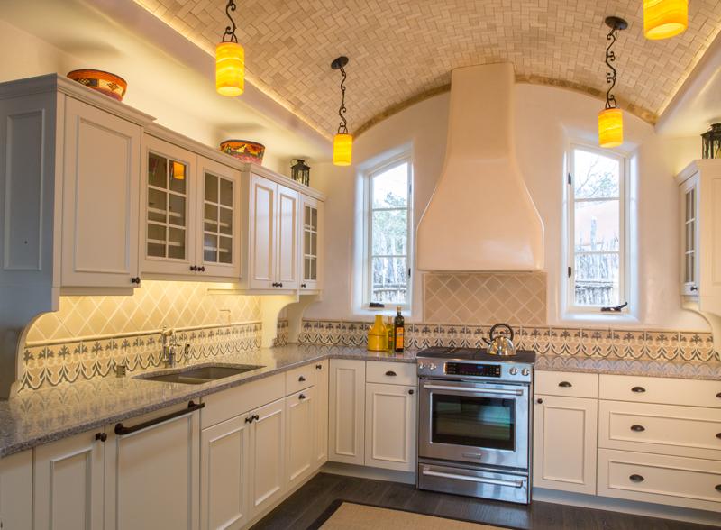 Statements-in-Santa-Fe-kitchen-tile-4.jpg