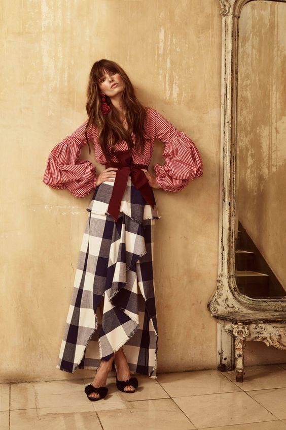 Johanna Ortiz Resort 2018 Collection, Photos - Vogue.