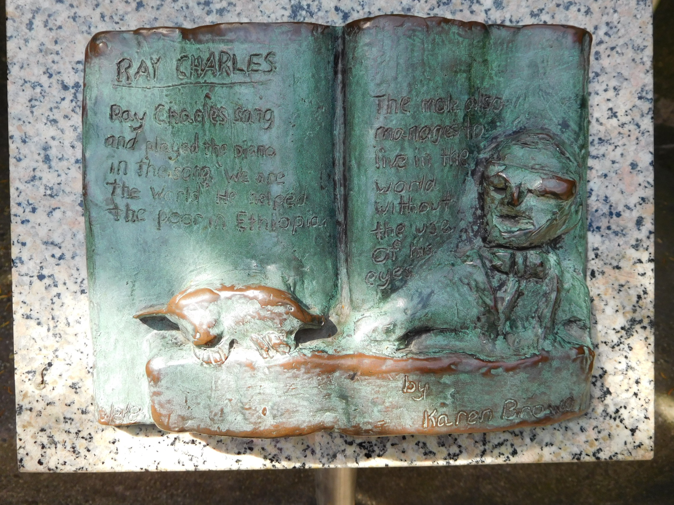 ^ Plaque - Ray Charles
