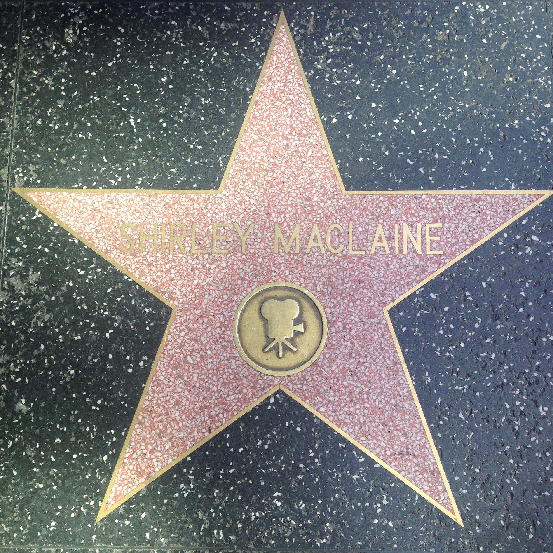 Star-ShirleyMaclaine-2.JPG
