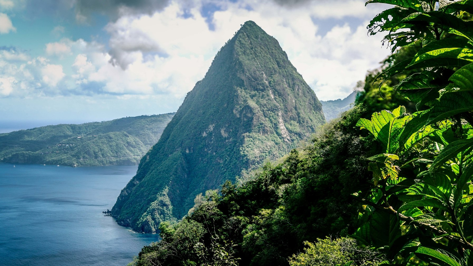 Adventures - St, Lucia is a hiker and divers paradise - including every adventure seeker in between.  With so much to do it's easy to become overwhelmed by the number of tours, excursions, and sightseeing. But it doesn't have to be if you do your research ahead of time!