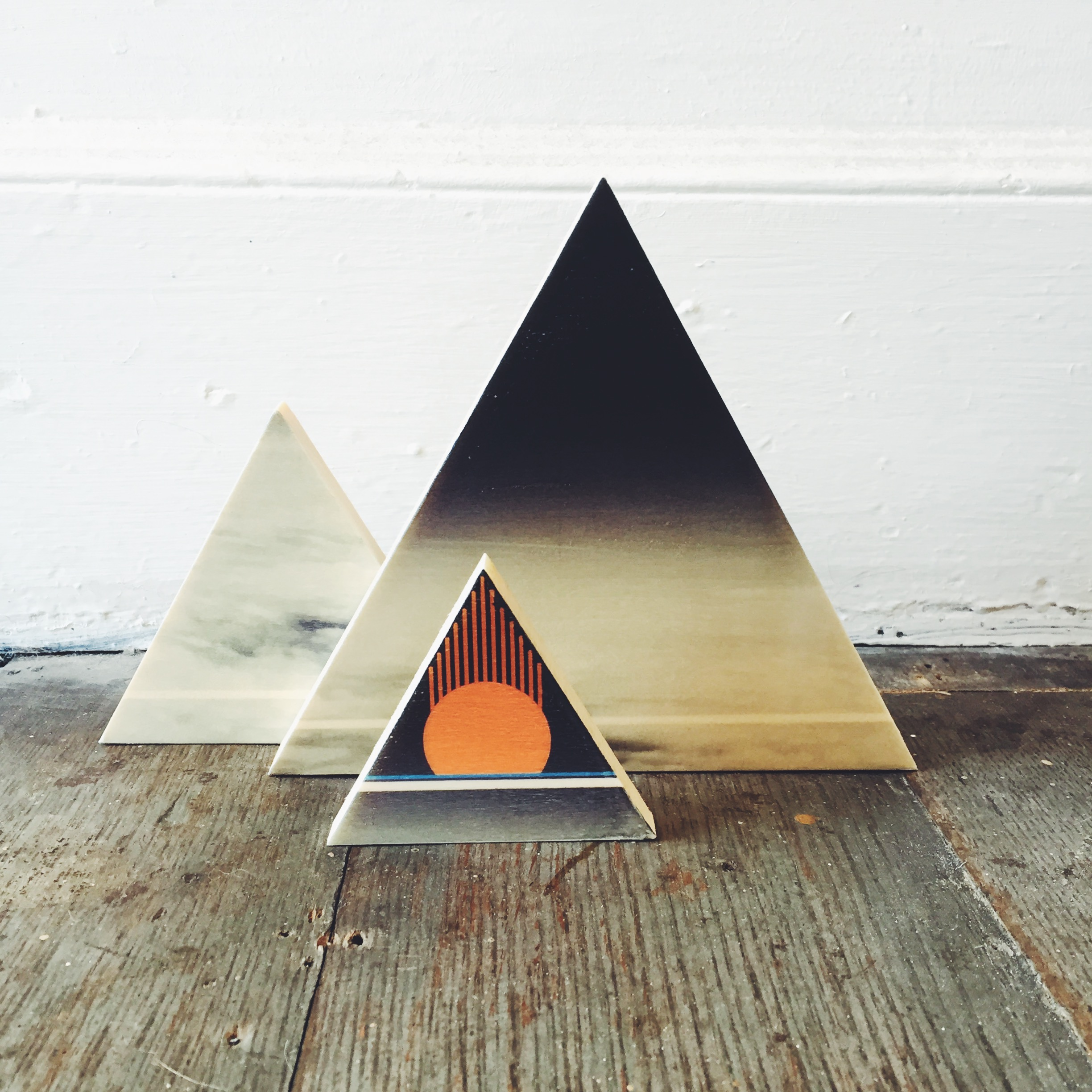 Red Sun Triangle set