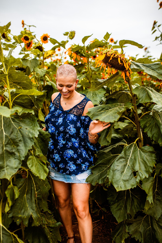 Steph_Sunflowers-8.jpg
