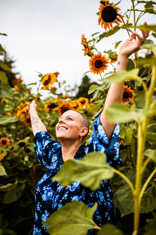 Steph_Sunflowers-12.jpg