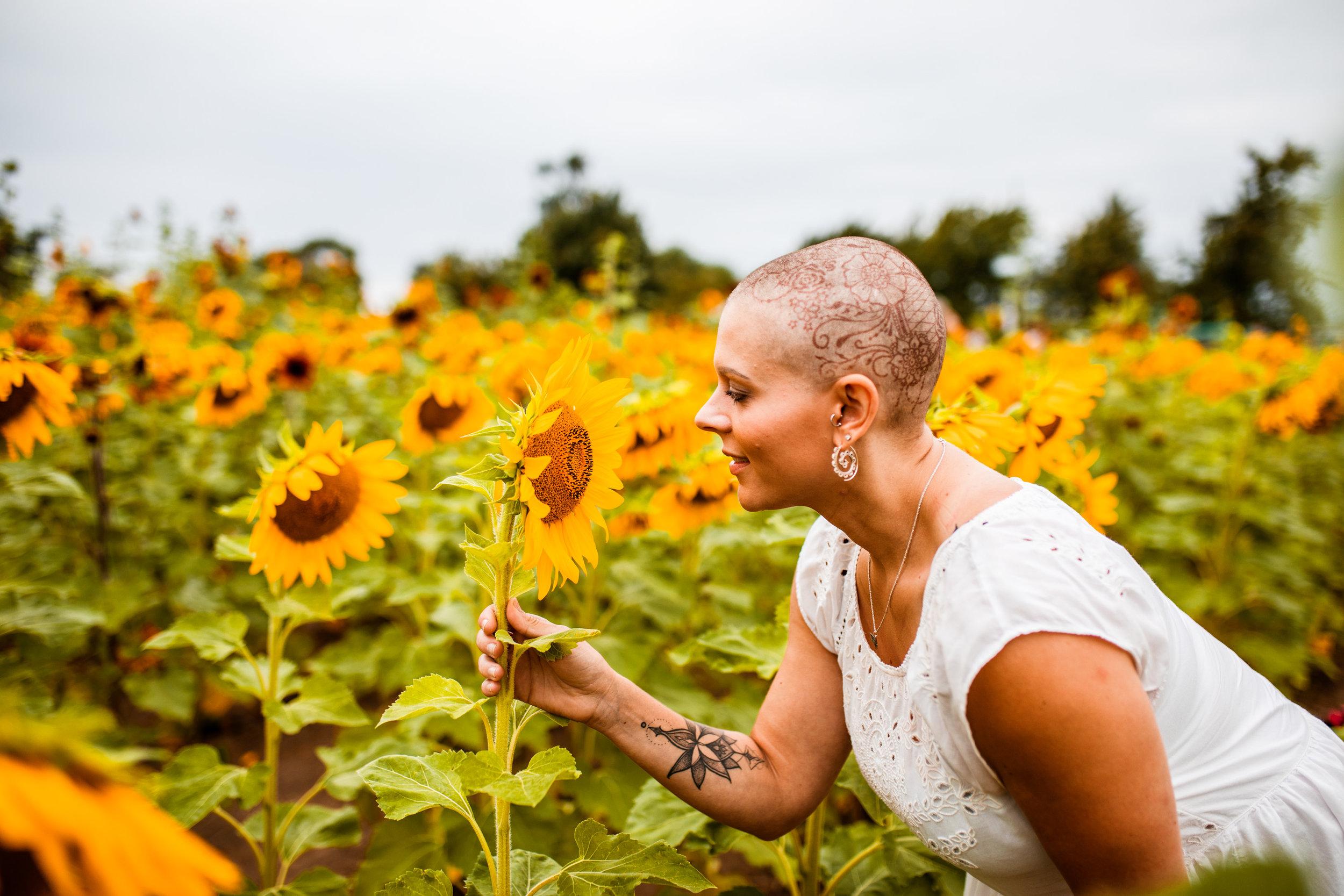 Steph_Sunflowers-28.jpg