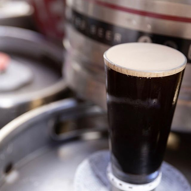 For this dark and rainy night, may we suggest something dark and velvety???... Stout + Rainy Weather = The perfect combo! #oatmealstout . 📸: sarahkingphoto.co . . #pints #neighborhoodbar #drinklocal #occraftbeer @craftfood #visitanaheim #foodie #rainydays #localbeer #craftbeer #anaheimsfinest #anaheimcraftbeer #ocbeer #eatlocal #drinklocalbeer #weatherwontstopus #stout