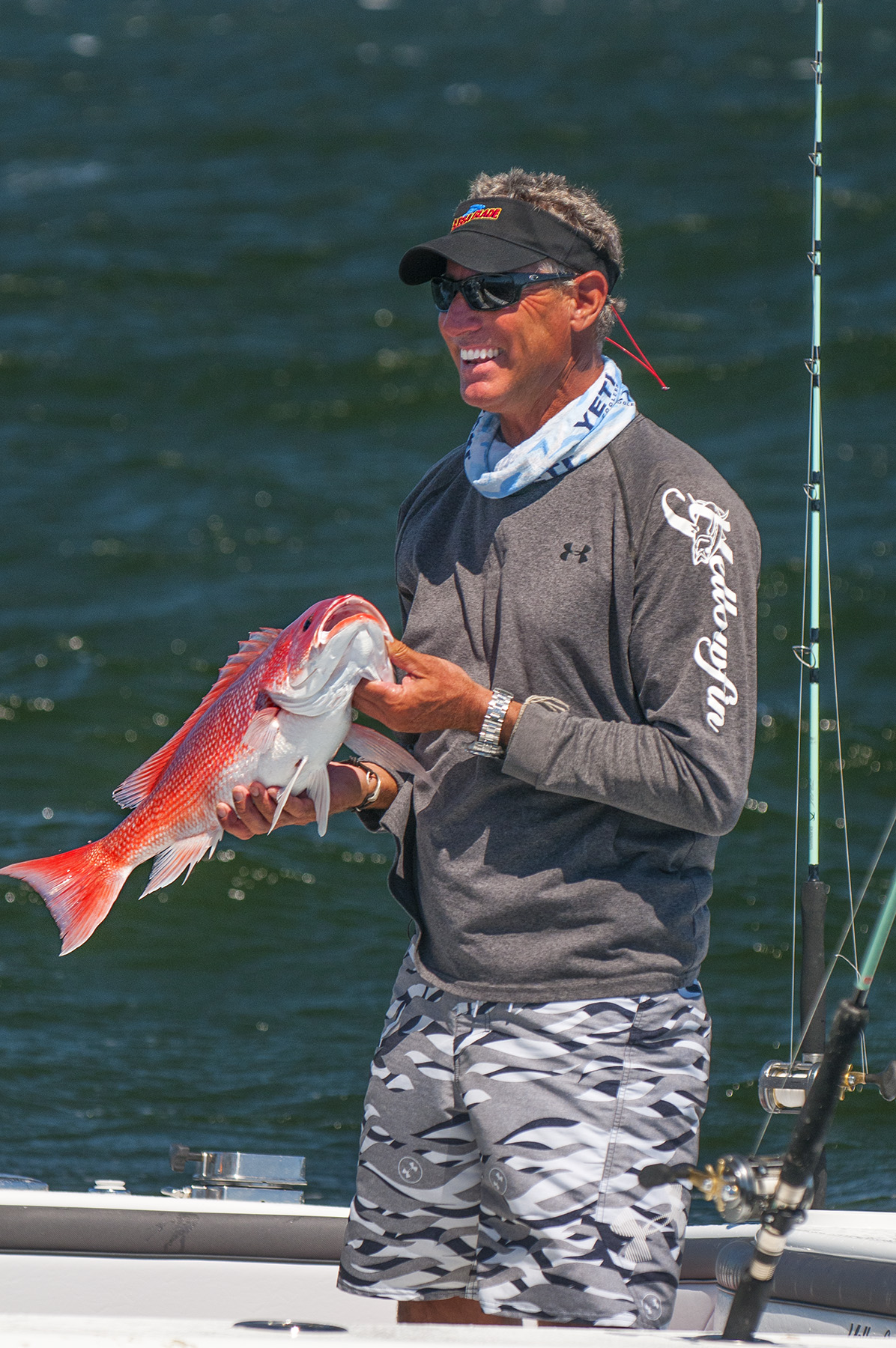 scott with a nice red snapper. nikon d300s, 160mm, f/5.0, 1/1000 sec