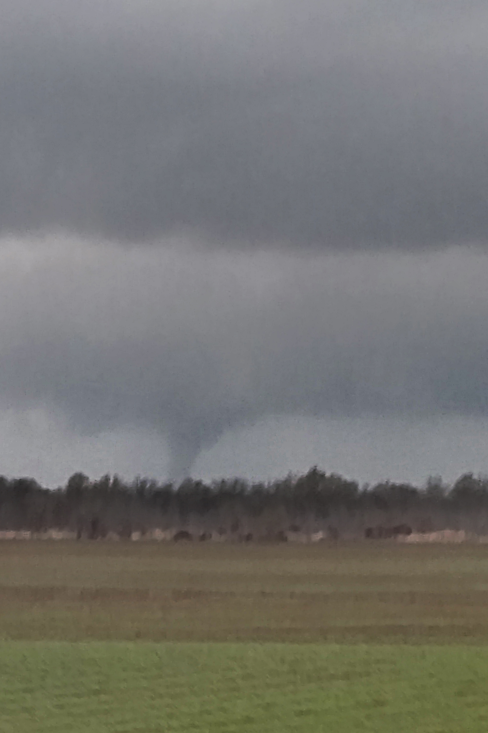 3:00:38pm CST first visual of tornado.