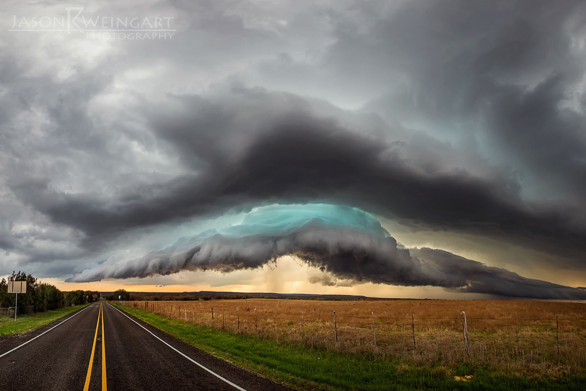Shelf cloud over Evant, Texas.