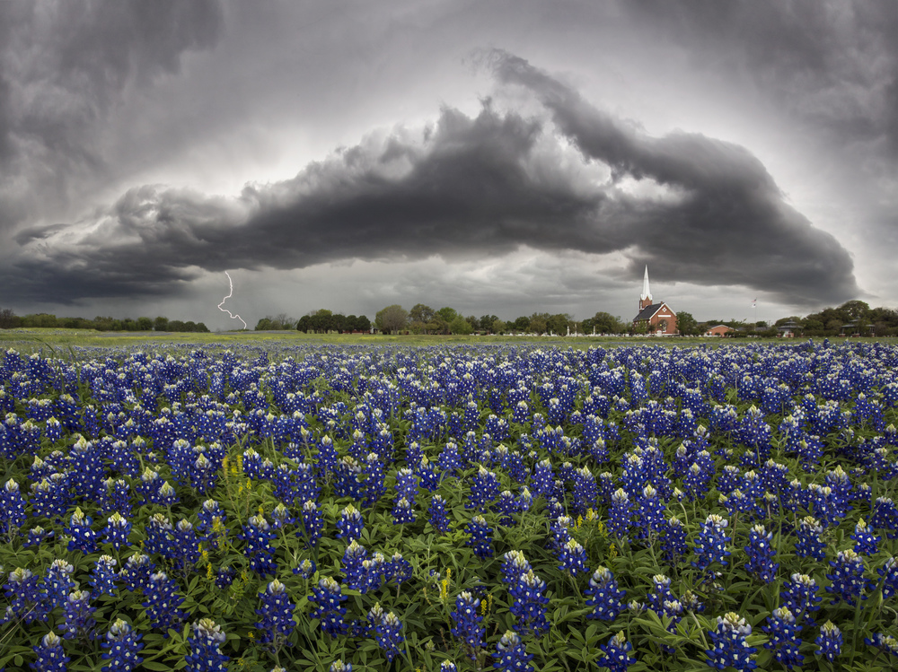 Thunderstorm approaching Palm Valley Lutheran Church in Round Rock. Image credit : Jason Weingart