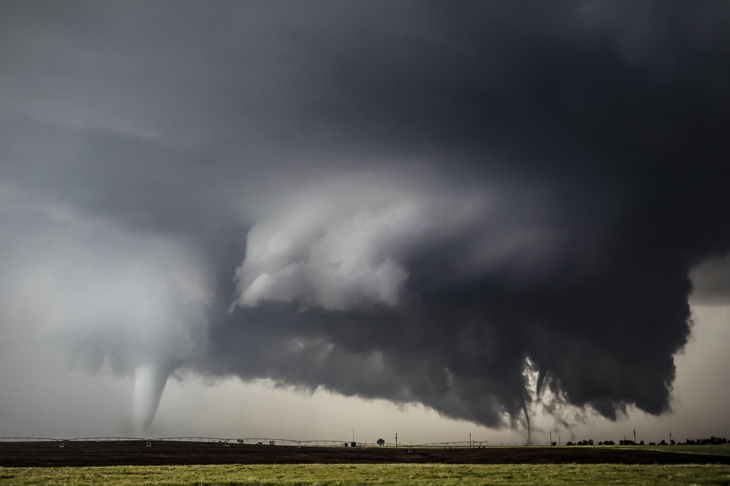 Three tornadoes - Dodge City, Kansas.jpg