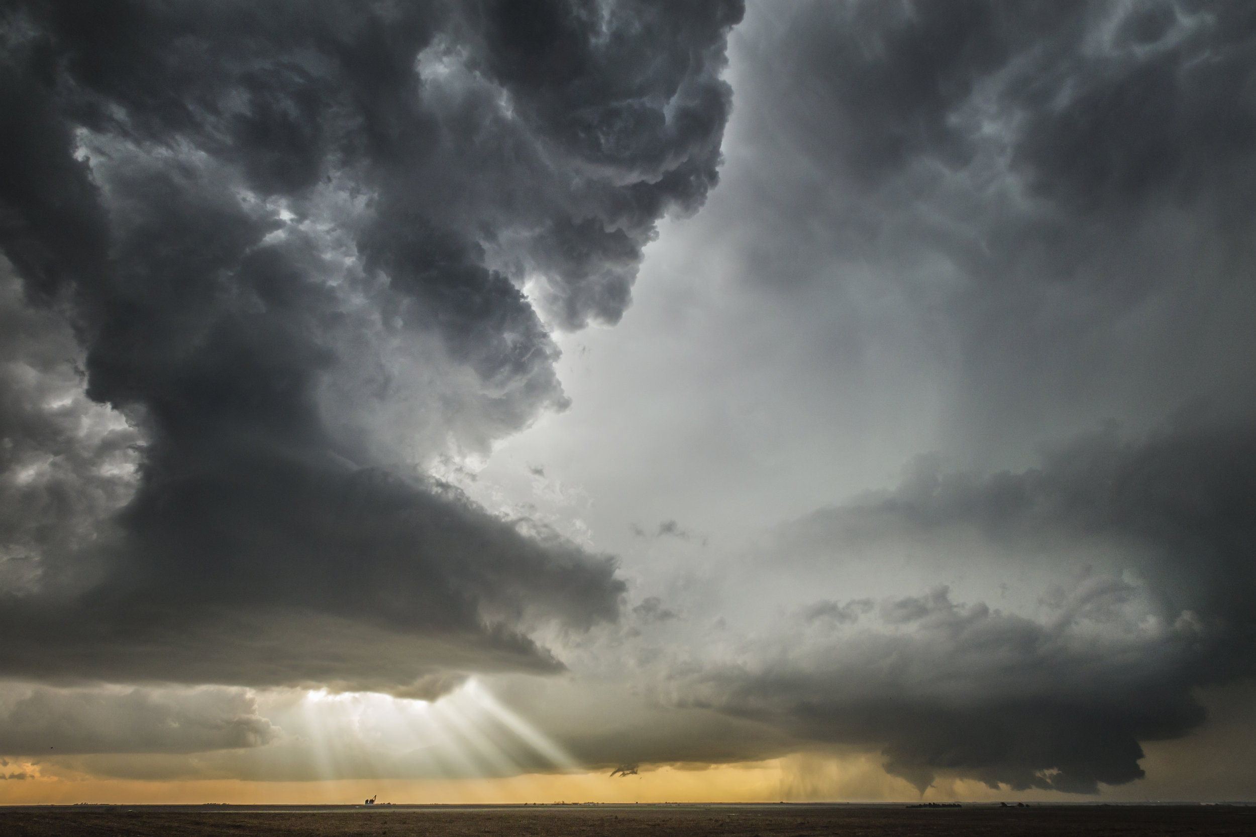 Two supercells - Dodge City, Kansas.jpg