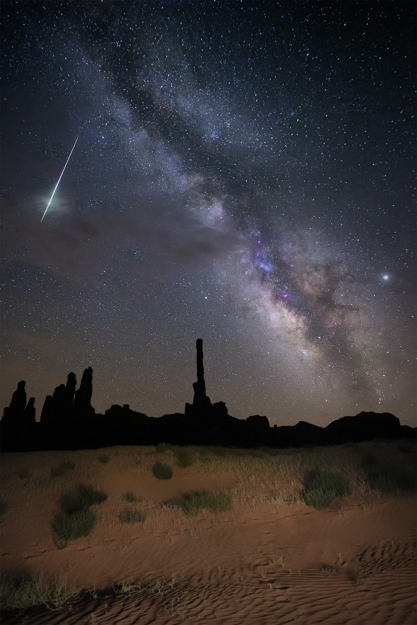 astrophotography workshop tour big bend national park fireball meteor stars night monument valley