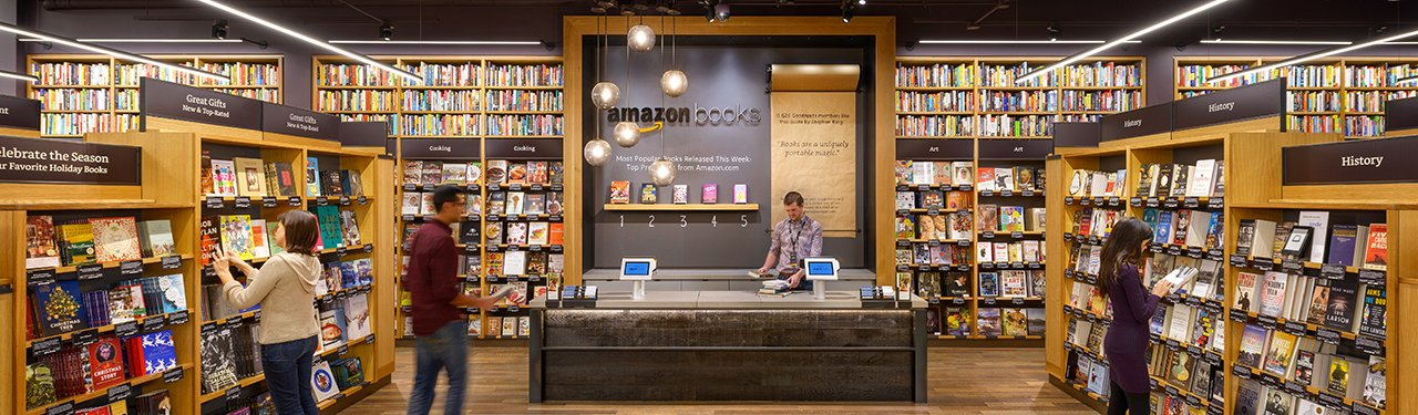 Amazon Books (1st Store) | Seattle | 2015  Responsibilities: Designer on a small team responsible for Overall Concept, Layout, Fixture Design, Digital Integration, Fixture Documentation, Lighting Intent, Visualization