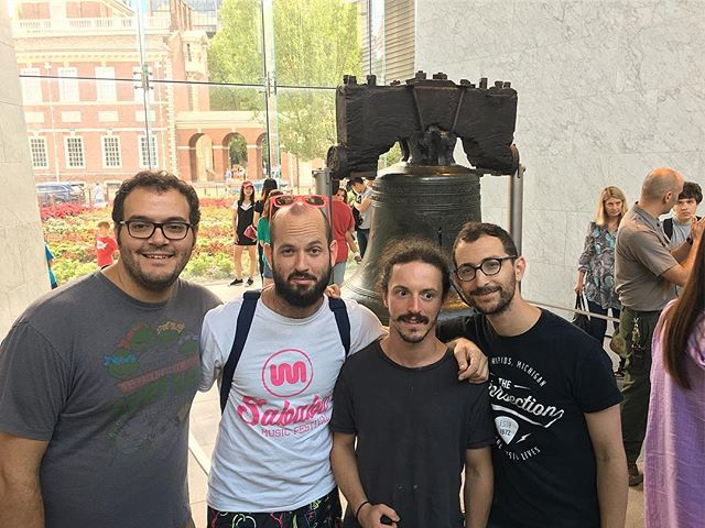 The Gang Cracks the Liberty Bell - #ItsAlwaysSunnyInPhiladelphia #Livetronica #OrganicLivetronica #Jamtronica #GnomeProject
