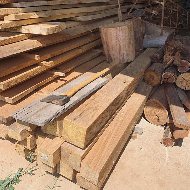 Beautiful stockpile of timber in the @littlevillagelearning shed. These timbers were milled from trees removed to make way for the Buderim centre and we're going to work alongside @acornandoak to create a beautiful reception desk for the Bridgeman Downs centre 🥰