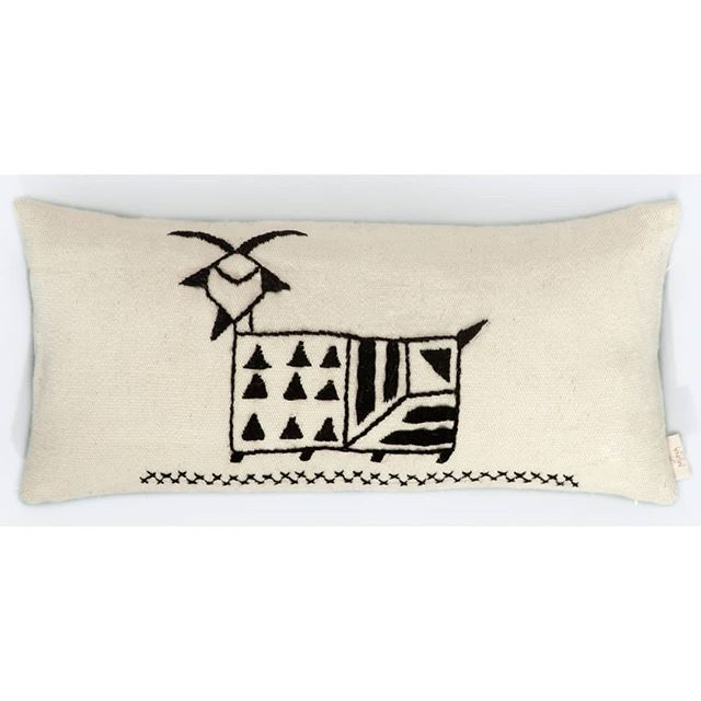 Embroidered GOAT pattern from the beautiful Italy an island Sardinia. . . . #munahome #woolpillow #embroideredpillow #goat #sardegna #sardiniandesign #ancientmethods #handwoven #kilim #kilimpillow