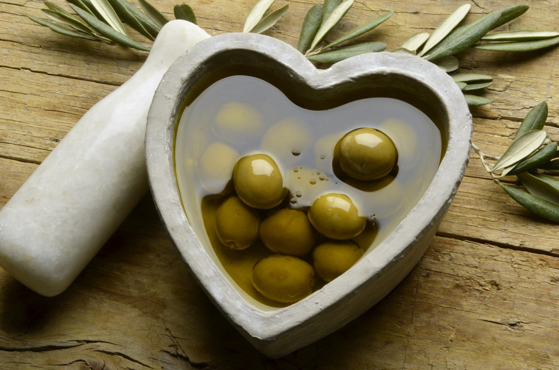 health-acropolis-olive-oil.jpg