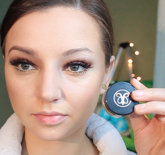 Step 10) Fill in your brows with Anastasia Beverly Hills brow pomade