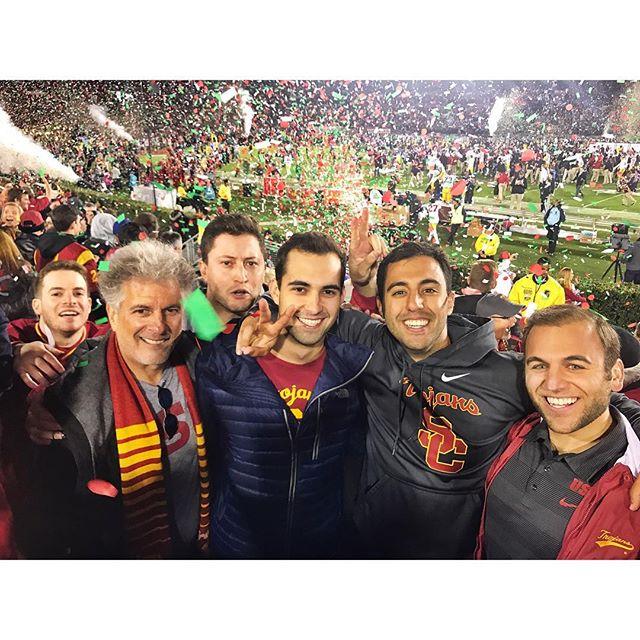 Undefeated in 2017 🌹🍾🏆🏈 @mistermatros @mikey2g @rickykeith @mittlestix @alongcamemauli #rosebowl #fighton #usc