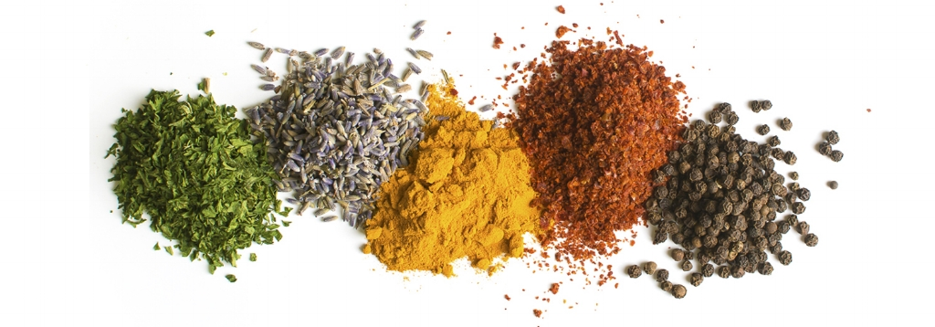 spice-piles-2_retouched.jpg