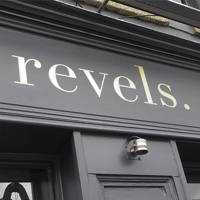 @therevelsbar logo painted in @1shotpaints metallic copper a couple of months ago now. I'm on a break from jobs at the moment whilst I prepare for solo show opening 3rd October in @hangtoughgallery. Looking forward to getting back to client work after the show #signwriter #signpainting #signpainter #sign #handpaintedsigns #dublinsigns #dublinpubsigns #signsofpower