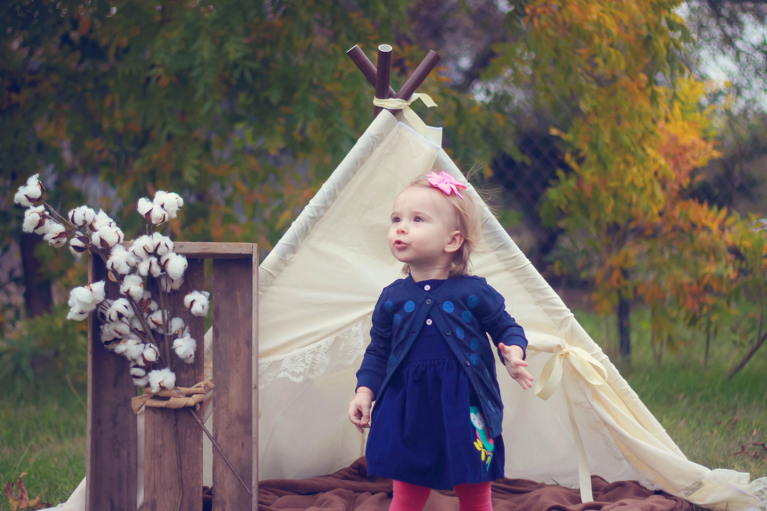 First birthday session using a super sweet teepee and cotton.