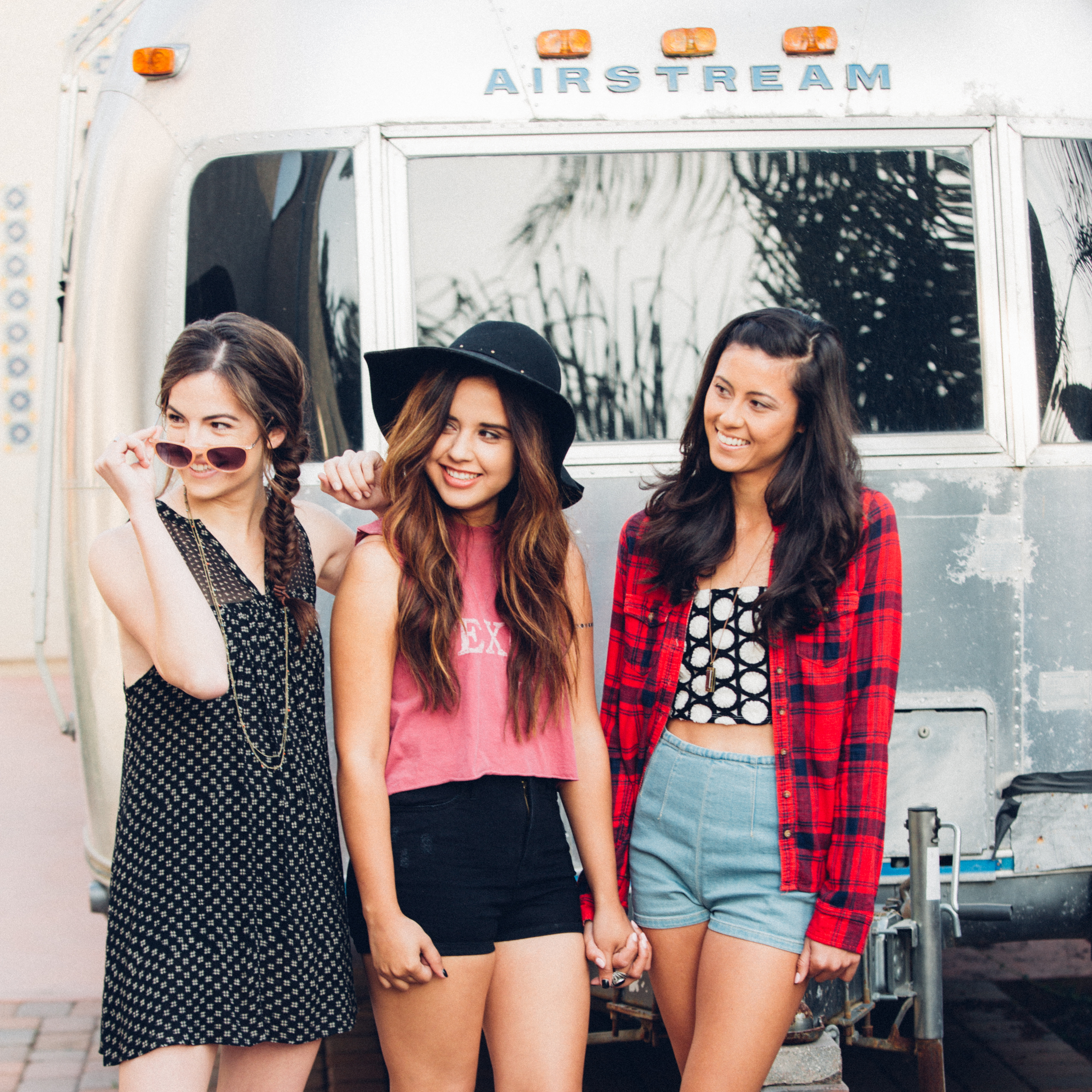 Urban Outfitters Long Beach Backyard Photoshoot by The Finches