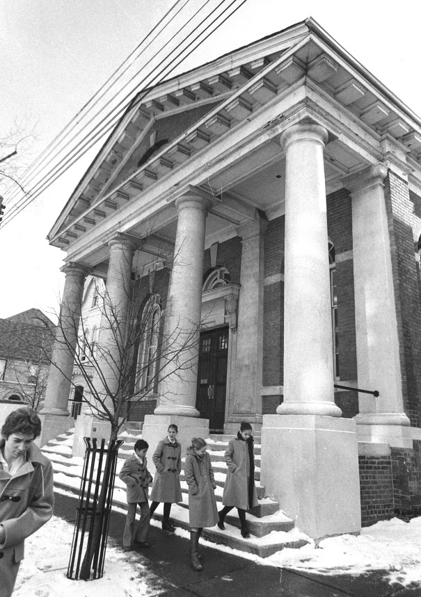 NBS Students trek past the front steps of 111 Maitland Street, a former Quaker meeting house and the original space of Canada's National Ballet School.