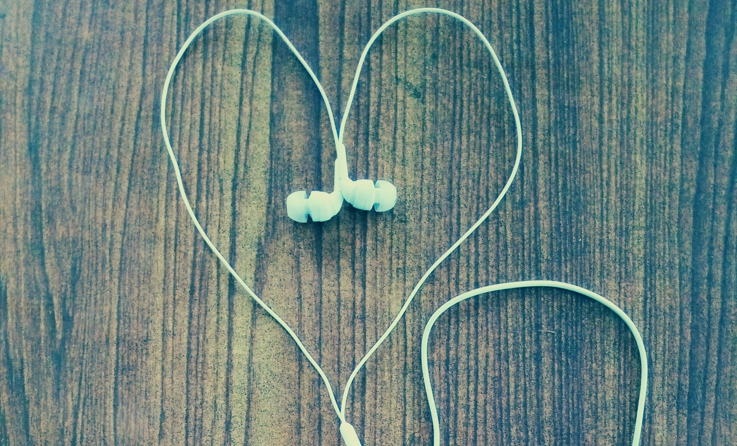 heart_headphones.jpg