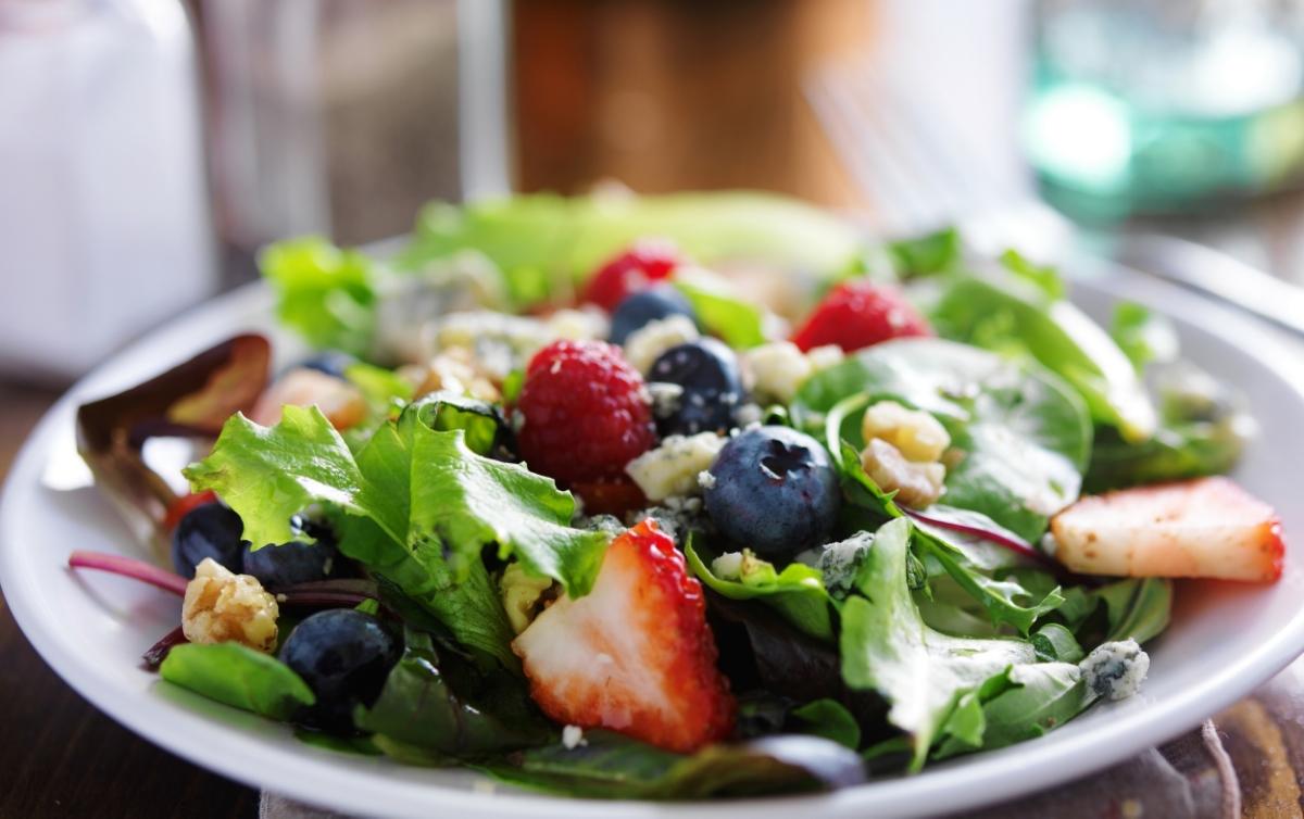 Spinach Salad & Walnuts
