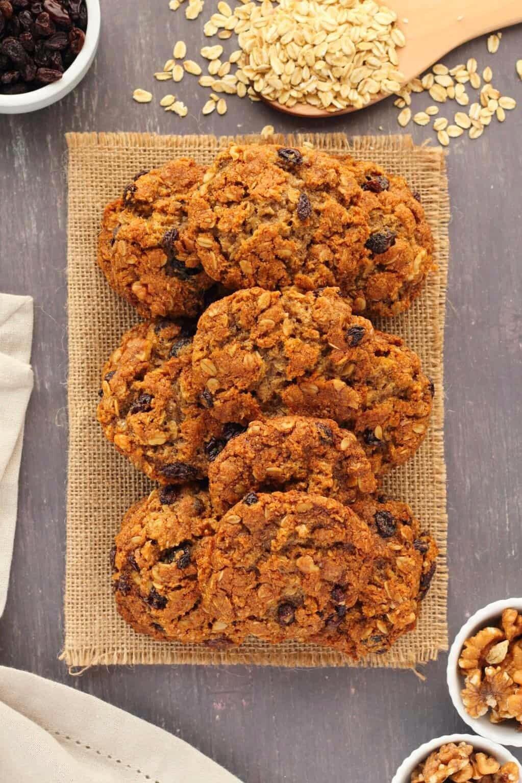 Vegan-Oatmeal-Raisin-Cookies-8.jpg