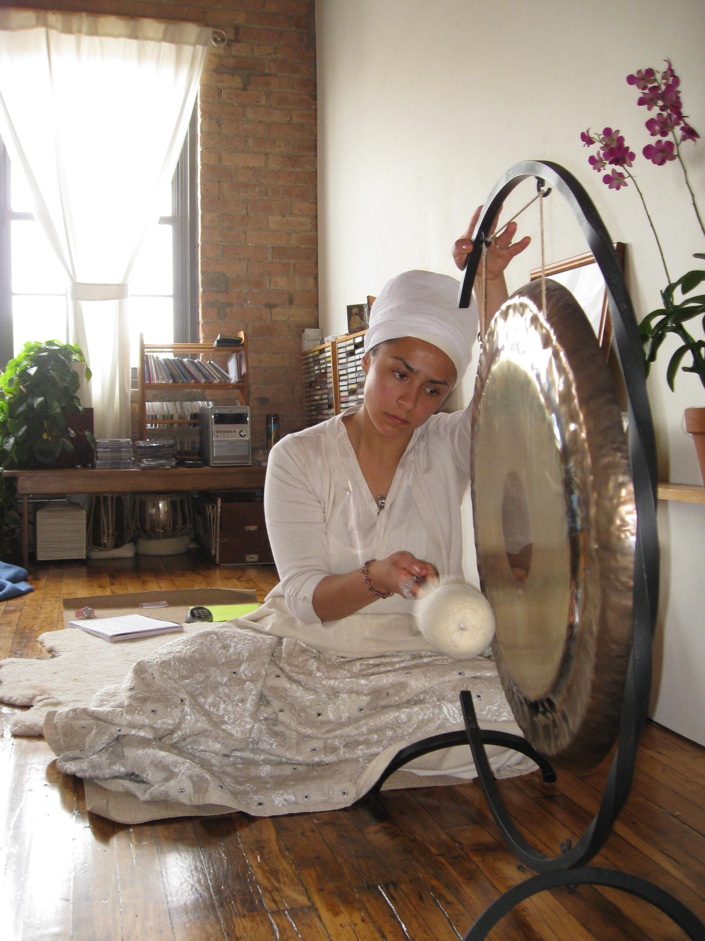 Romancing gong.jpg