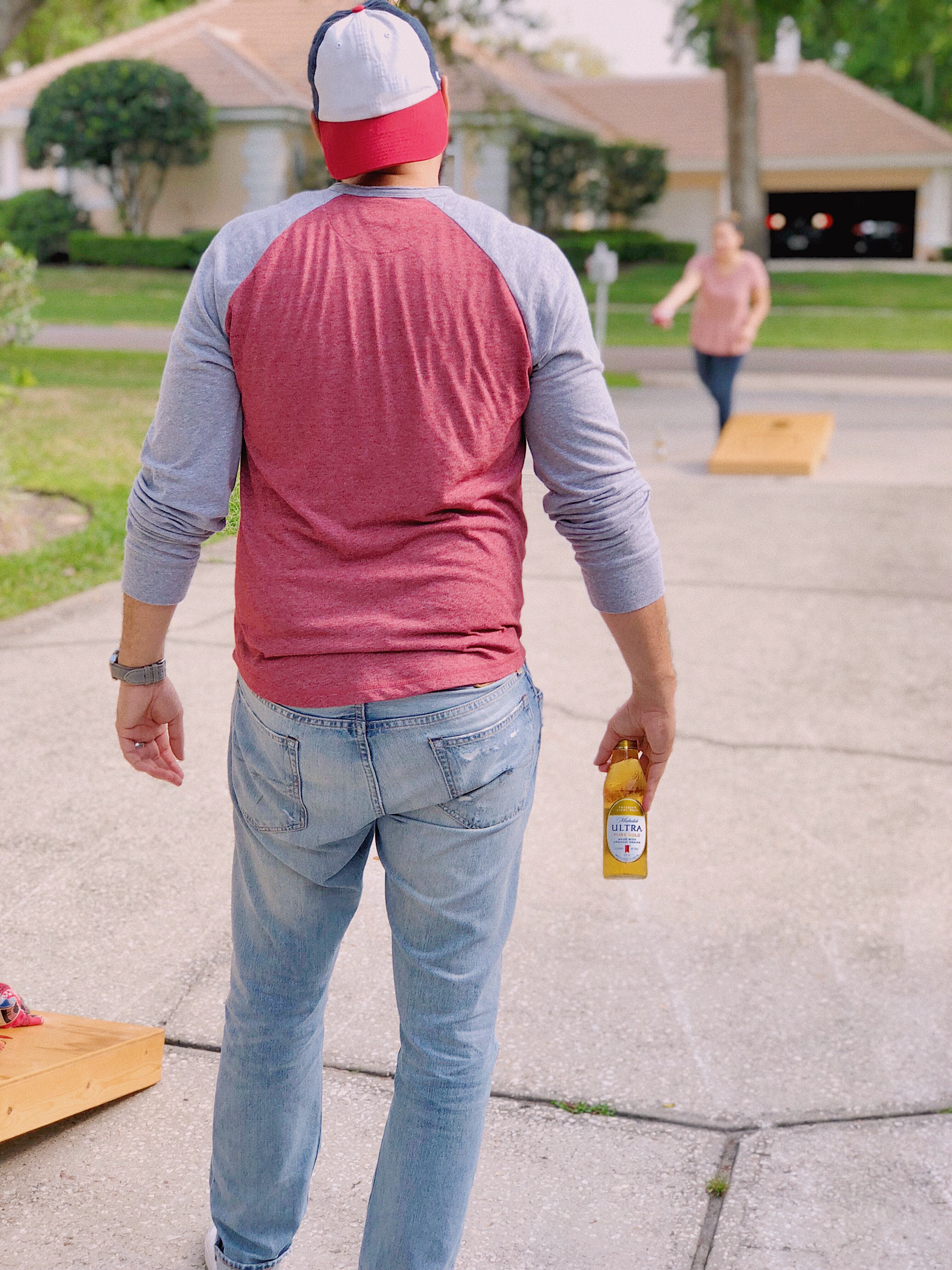 Cornhole + Michelob Ultra Pure Gold